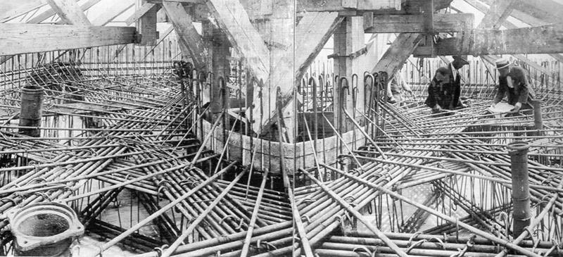 Foto portada: Josep Renom de visita a les obres de la Torre de l'Aigua (1917), Arxiu Josep Renom (AJR)