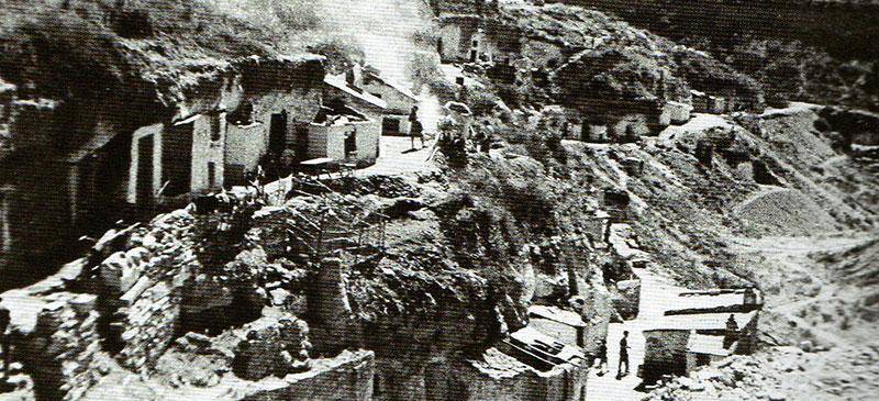 Foto portada: Panorámica Cuevas de Sant Oleguer (1950). Autor: Ramón Bardés/AHS