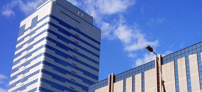 Foto portada: la seu mundial de Fluidra està a la Torre Milenium. Autor: Wikimedia Commons.