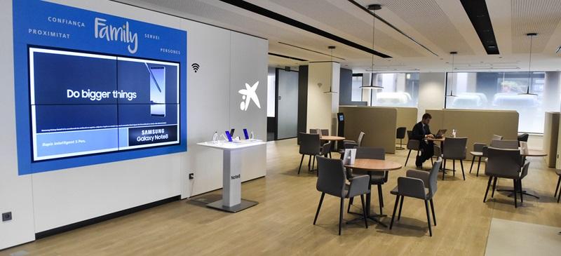Caixabank inaugura una oficina 39 store 39 a la rambla de sabadell isabadell - La caixa oficines ...