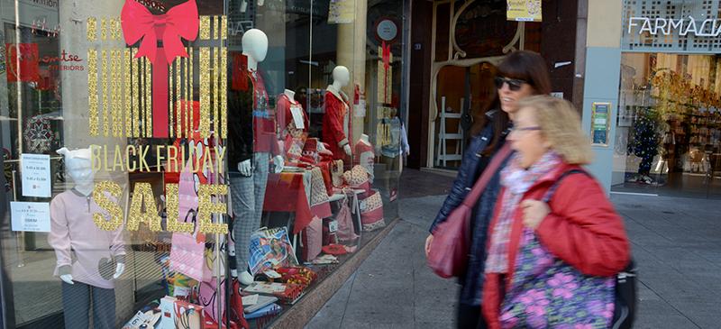 Black Friday en una botiga del Passeig. Autor. David B.