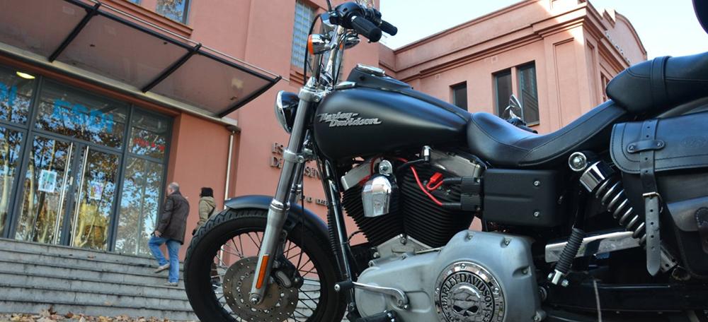 Harley-Davidson - ESDi. Autor: David B.