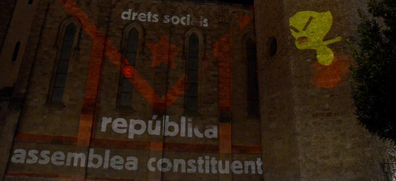 Foto portada: la façana de Sant Fèlix, amb el 'mapping'. Autor: David B.