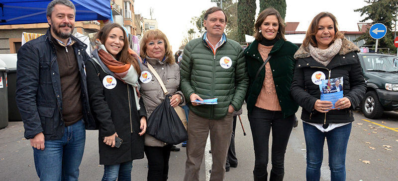 Foto portada: Garcia, la segona per la dreta, a Campoamor. Autor: David B.