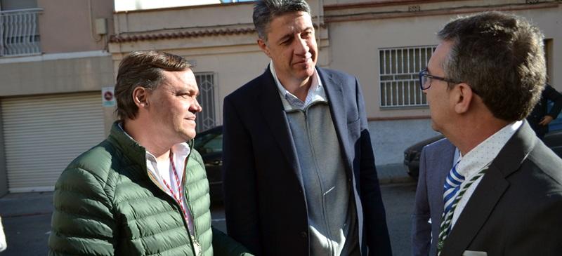 Foto portada: el portaveu del PP a Sabadell, Esteban Gesa, Garcia Albiol i el president de la Hermanda Rociera Virgen de Gracia. Autor: J.d.A.