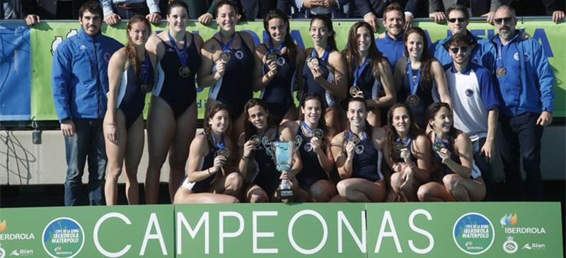 Foto portada: les campiones del CN Sabadell, aquest diumenge. Autor: RFEN.