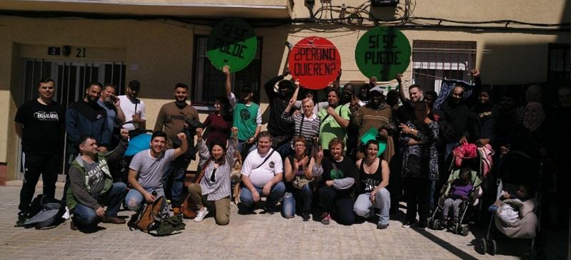 Foto portada: activistes de la PAH. Autor: PAH Sabadell via Twitter.