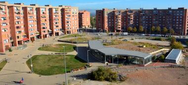 Foto portada: la plaça d'Espanya, en una imatge recent. Autor: David B.