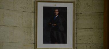 Foto portada: retrat de Felip VI, a la sala de plens. Autor: David B.