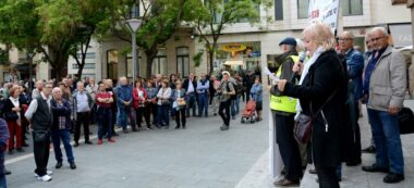 Foto portada: concentració a la plaça Sant Roc. Autor: A.Lorca / cedida.