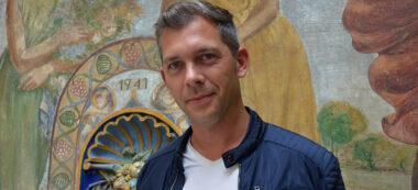Foto portada: l'escriptor francès Romain Púertolas, a la Casa Taulé. Autor: David B.