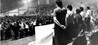Foto portada: míting al Pavelló d'Esports, al juny de 1976. Autor: cedida.