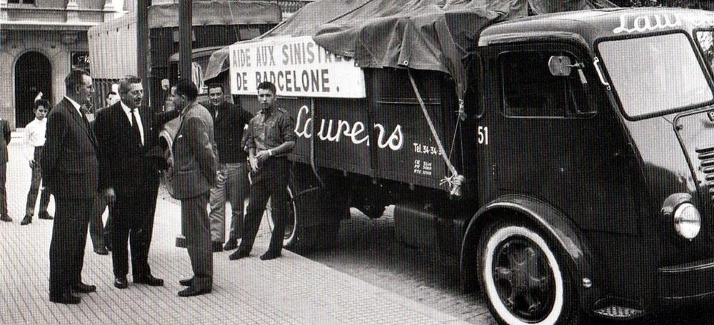 Foto portada: Llonch, amb un convoi d'ajuda als damnificats.