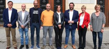 Imatge dels candidats a Sabadell. De dreta a esquerra: Marisol Martínez (100% Sabadell), Lourdes Ciuró (JxS), Juli Fernàndez (ERC), Marta Farrés (PSC), Joan Berlanga (Sabadell en Comú), Maties Serracant (Crida), Adrián Hernández (Cs) i Esteban Gesa (PP). Autor: ACN