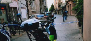 Foto portada: operatiu policial aquest matí, al carrer de Gràcia. Autor: cedida.