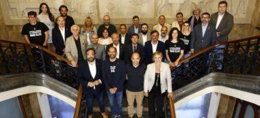 Foto portada: els regidors que han acabat el mandat 2015-2019. Autor: @aj_sabadell via Twitter.