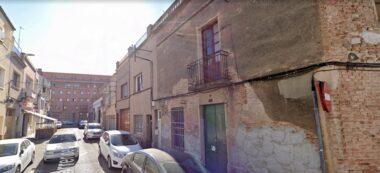 Foto portada: el número 9 del carrer Folch i Torres. Foto via Google Street View.