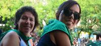 Marta Morell i Marta Farrés al balcó de l'Ajuntament. Autor: David B.