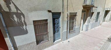 Foto portada: façana del número 24bis del carrer Riera Villaret, a La Creu Alta. Foto via Google Street View.