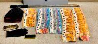 Foto portada: els bitllets en metàl·lic que tenien els detinguts de la caixa forta de la botiga. Autor: Mossos.