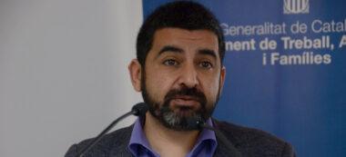 Foto portada. el conseller de Treballs i Afers Socials, Chakir El Homrani, aquest matí. Autor: David B.