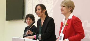 Marta Farrés, la tinenta d'alcalde de la ciutat, Marta Morell (Podem) i la portaveu de JxSabadell, Lourdes Ciuró. Autor: ACN