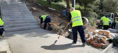 Foto portada: obres a les escales, fa uns dies. Autor: Ajuntament de Sabadell / cedida.