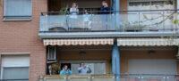 Aplaudiments des del balcó. Autor: David B.