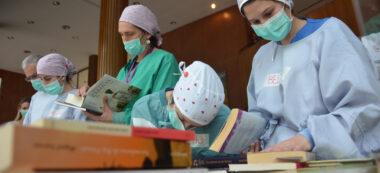 Sanitaris amb llibres a l'Hotel Verdi. Autor: David B.