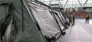 Foto portada: una de les tendes desmuntades per Salut. Autor: cedida
