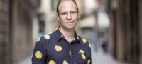 El periodista i escriptor Albert Forns, guanyador el 40è Premi BBVA San Joan de literatura catalana amb 'Abans de les cinc som a casa' (horitzontal)