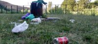Foto portada: llaunes i bosses al riu Ripoll, aquest matí. Autor: J.d.A.