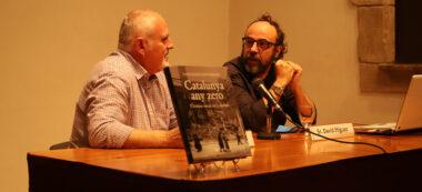 Foto portada: els autors del llibre 'Catalunya any zero' al Museu d'Història. Autora: Alba Garcia.